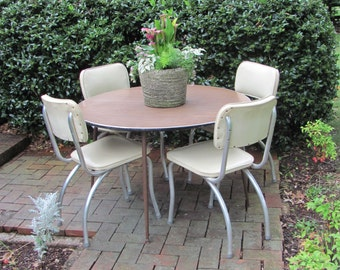 Mid Mod Dinette Set with Six Aluminum Chairs