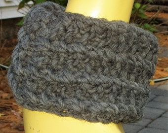 Handknitted Charcoal Wool Roving Cowl