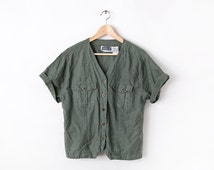 90s Army Green Safari Inspired Cropped Oversized Short Sleeve Button Down Linen Cotton Pocket Blouse Womens V-Neck Top L