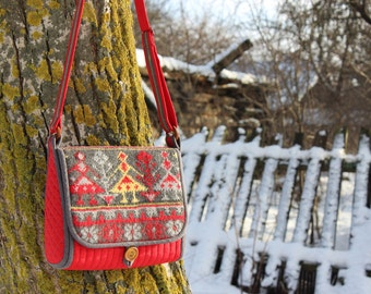 Quilted messenger bag with Belarusian national pattern