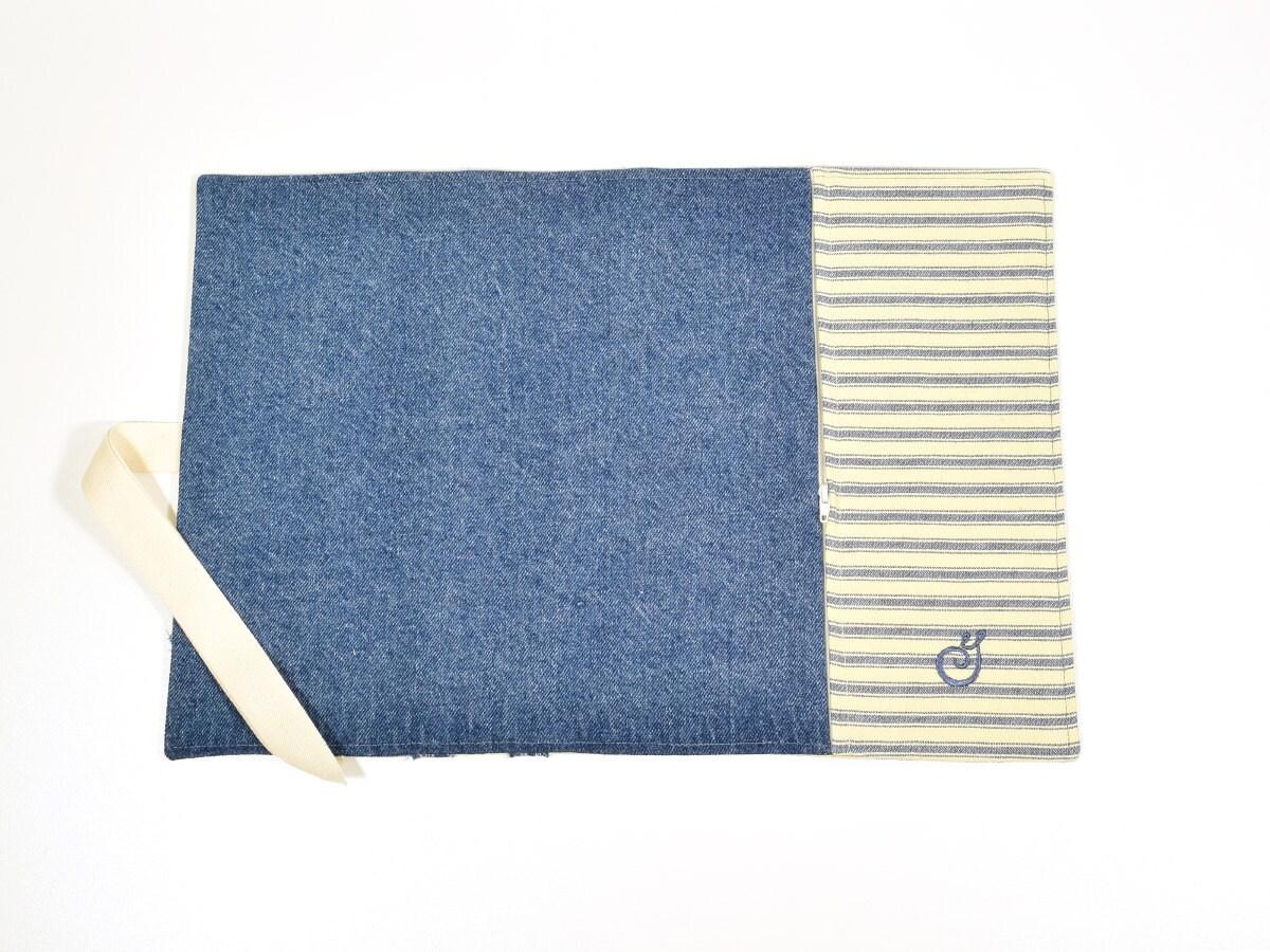 napperon lunch avec pochette fermeture clair blue jeans. Black Bedroom Furniture Sets. Home Design Ideas