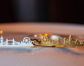 London bangle bracelet/London bracelet/Travel Jewelry/Summer Fashion,Summer Jewelry/ Silver Plate/Adventure Fun/traveller who has everything
