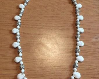 Cream howlite drop necklace