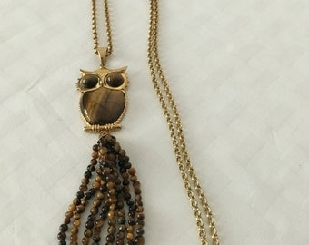 Beautiful vintage Tigers eye open back owl necklace