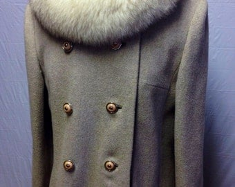 Tan Vintage Coat with Fur Collar