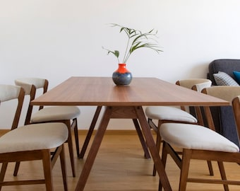 SALE! Set Of Four Mid Century Danish Style Dinning Chairs