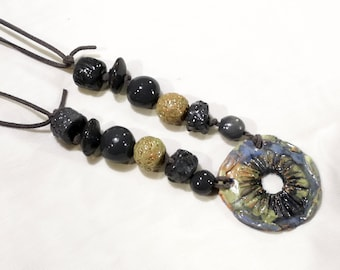 Color of the wood necklace
