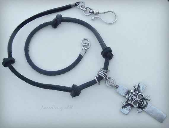 Skull N Cross Necklace
