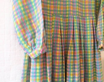 60s Sweetheart Gingham Vintage Midi Dress with Pink Buttons