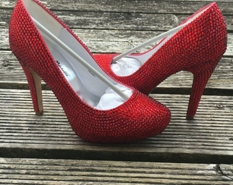 Ladies shoe with red crystal rhinestones