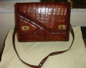 Elegant vintage genuine alligator skin briefcase bag from 1940's excellent condition