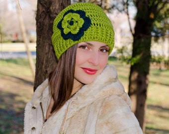 Green crochet flower hat, slouchy beanie hat, chunky hat, womens beanies, winter hat, knit hat with flower, hats for women, womens caps