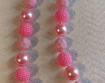 Pretty all pink necklace