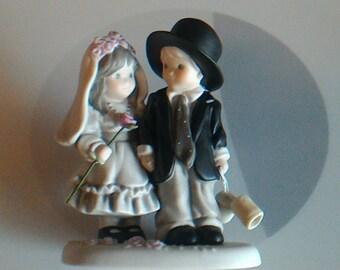 "Vintage 1997 NBM Bahner Studios Alaska Momma Enesco ""Promises of Love"" Bride and Groom Porcelain Figurine 323756"