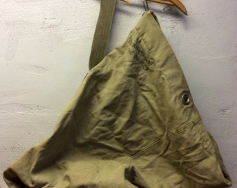 Vintage army duffel bag