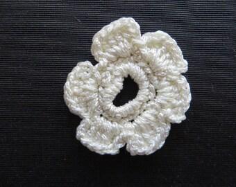 Crocheted Flower Applique Ivory 6006
