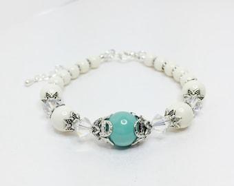 Jade Wedding Bracelet Crystal Bridal Jewellery Pretty Ivory and Jade Bridesmaid Bracelet Swarovski Crystal Gift Vintage Style Bracelet