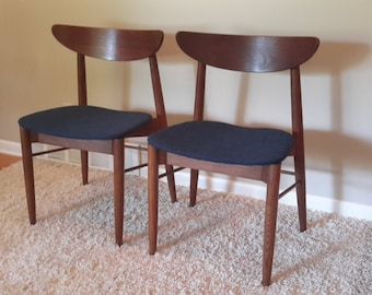 Mid Century Pair of Danish Modern Teak Wood Chairs