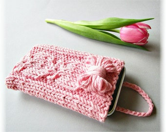 Knit phone case Knit iphone case Knitted phone cover Knit iphone sleeve Smartphone Cover Pink Gift Idea for Gift under 20 Made to Oder