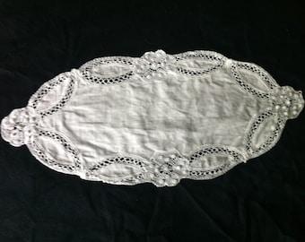 Doily old linen  - Former doily 1940 - linen doily   and crochet