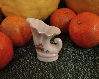 LAST Chance Clearance Sale, 1960s, Cornucopia, Gold Trim, Miniature, Cornucopia, French Cottage, Bud Vase, Mini, Minis