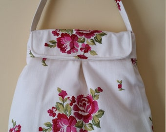 L442   Small shoulder bag