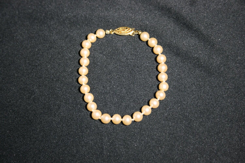 Vintage pearl bead bracelet with gold clasp wedding jewelry bride vintage pearl bead bracelet with gold clasp wedding jewelry bride bridesmaid flower girl beaded bracelet pearls date night junglespirit Gallery