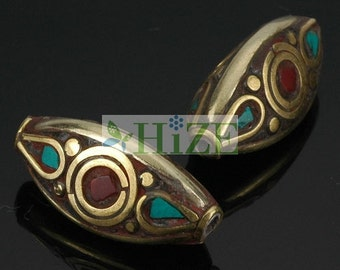 HIZE TBE63 Tibetan Nepalese Turquoise Red Coral Inlaid Brass Triangle Oval Beads 10mm (4)