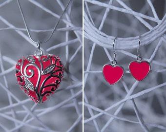 SET Hearts Jewelry - Love - Glowing Jewelry - Boho Chic - Gift for Women - Glow in the Dark - Modern Jewelry - Bohemian Chic - Trendy Set