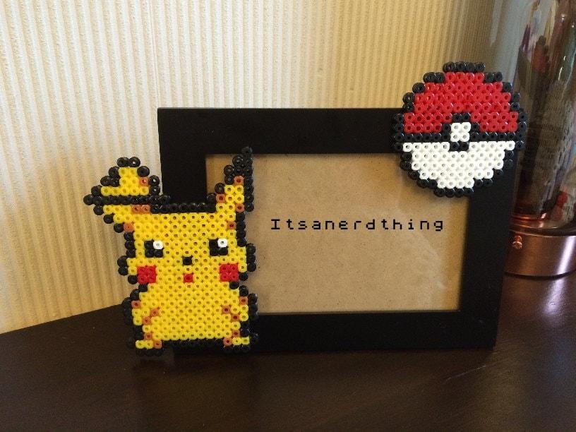 Pikachu and pokeball photo or picture frame pokemon hama - Hama beads cuadros ...