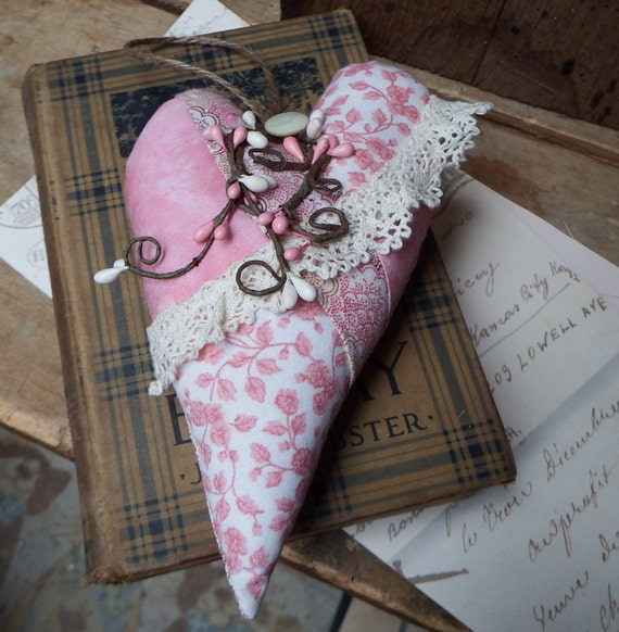 Fancy Pink Hanging Heart, Honor Breast Cancer Survivor, Shabby Chic Decor, Shelf Hanger, Pink and White, TeamHAHA, FAAP