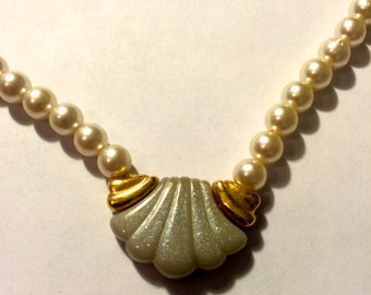 Vintage Napier Pearl Necklace with Seashell