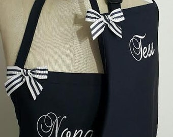 Mother and Daughter Aprons - Sisters Aprons - Friends Aprons - Navy Aprons with White embroidery - Bow Aprons .Hostess gift idea .