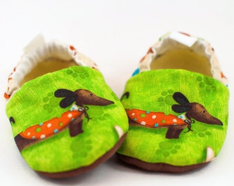 Dachshund, Baby Shoes, Toddler Slippers, Girls Shoes, Boys Shoes, Baby Moccasins, Crib Shoes