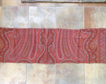 Wool paisley cutter