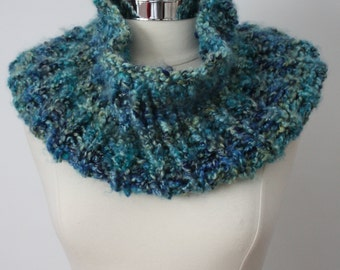 Beautiful handcrafted blue/green chunky knit cowl