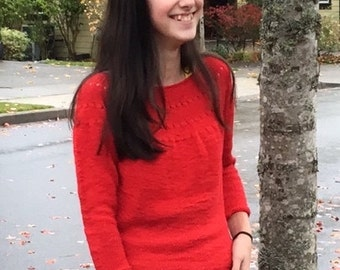 Tomato red sweater // three-quarters-length sleeves