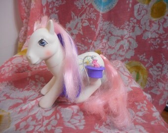 Vintage My Little Pony G1  BUNNY HOP still has bunny attached GORGEOUS
