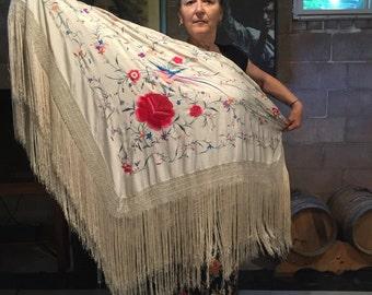 Manton de Manila - large piano shawl
