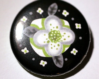 Agender Flag Colored Flower Pinback Button - Black, Gray, White, and Green