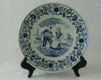 PLATE DELFT made for Royal Sphinx Holland by BOCH Belgium accordion playing farmer and farmers wife is dansing