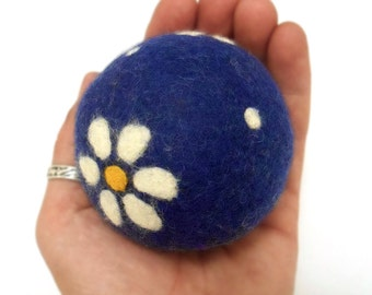 The Ball with the daisies!