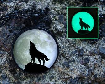 Wolf necklace Moon necklace Glow the in dark Wolf pendant Moon pendant Animal jewelry Glow moon Animal necklace Glass necklace Wolf and Moon