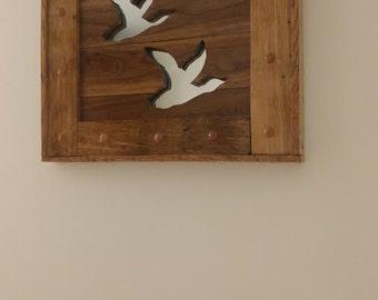 Pallet wood wall art - Flying ducks