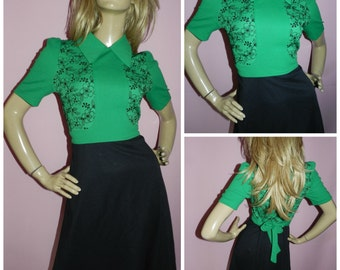 Vintage 60s Green/Black Floral EMBROIDERED MOD SCOOTER dress 8-10 S 1960s sharp collar Kitsch