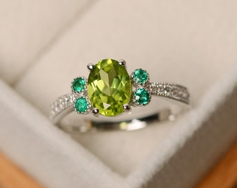 Peridot ring, green peridot, oval cut peridot ring, engagement ring, natural peridot