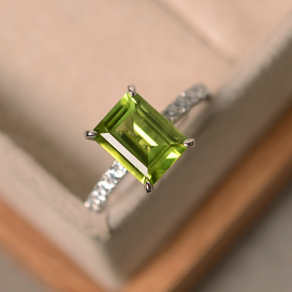 peridot engagement ring sterling silver august birthstone. Black Bedroom Furniture Sets. Home Design Ideas