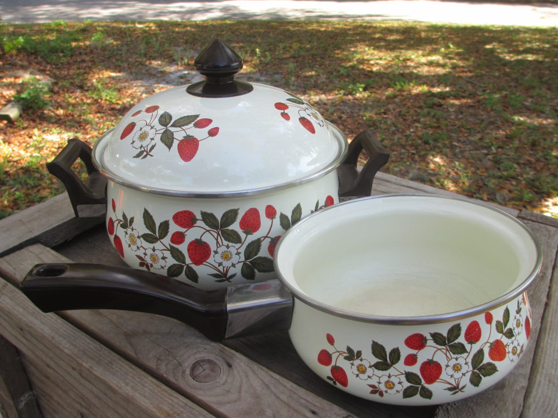 Sheffield Strawberries And Cream Enamel Stew Pot Sauce Pan