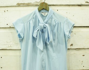 vintage 1960s baby blue cap sleeve ascot bow blouse S