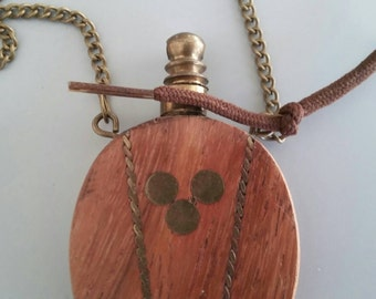 Necklace with Parfum Bottle made of Wood '70